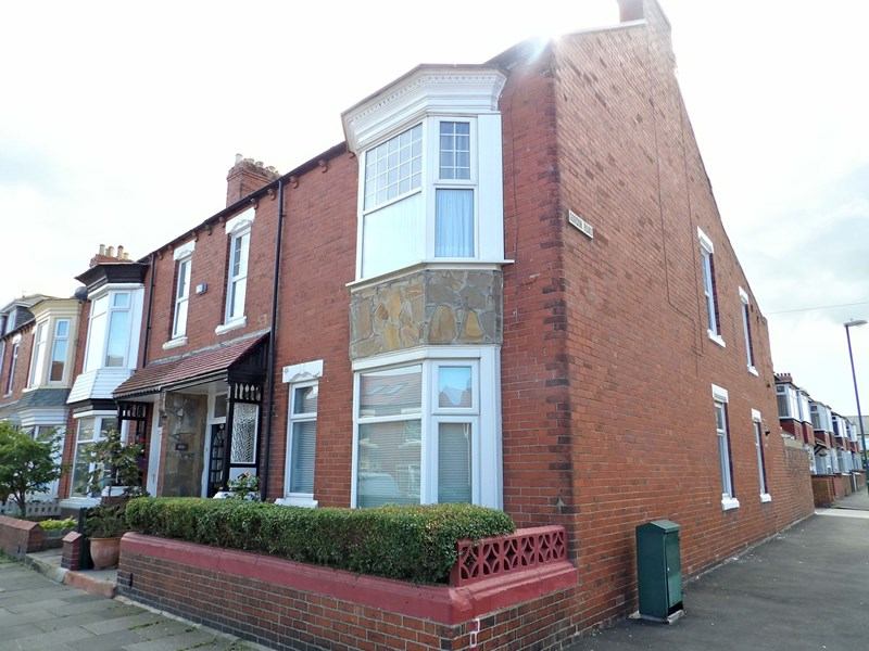 3 Bedrooms Property for sale in Ashley Road, West harton, South Shields, Tyne and Wear, NE34 0PD