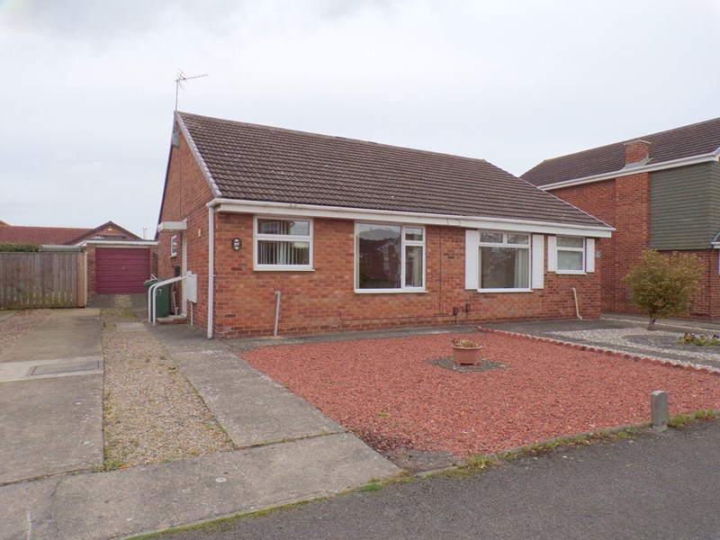 2 Bedrooms Bungalow for sale in Culross Grove, Fairfield , Stockton-on-Tees, Cleveland, TS19 7SQ