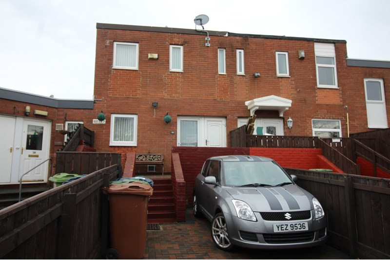 3 Bedrooms Property for sale in Newstead Court, Glebe, Washington, Tyne and Wear, NE38 7PE