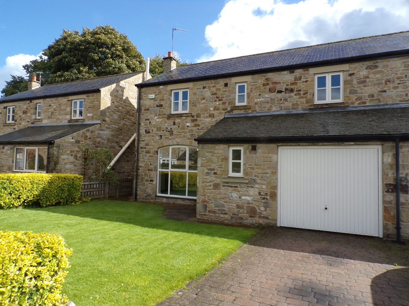 4 Bedrooms Property for sale in Chishillways, Barrasford, Hexham, Northumberland, NE48 4AE