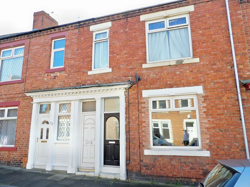 2 Bedrooms Property for sale in Brabourne Street, West Harton, South Shields, Tyne and Wear, NE34 0JZ