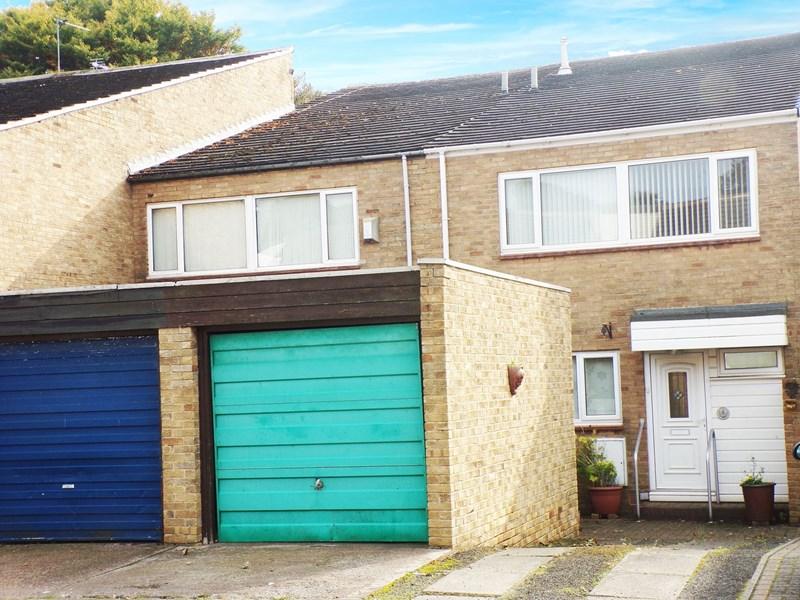 4 Bedrooms Property for sale in Lanercost Park, Cramlington, Northumberland, NE23 6RU