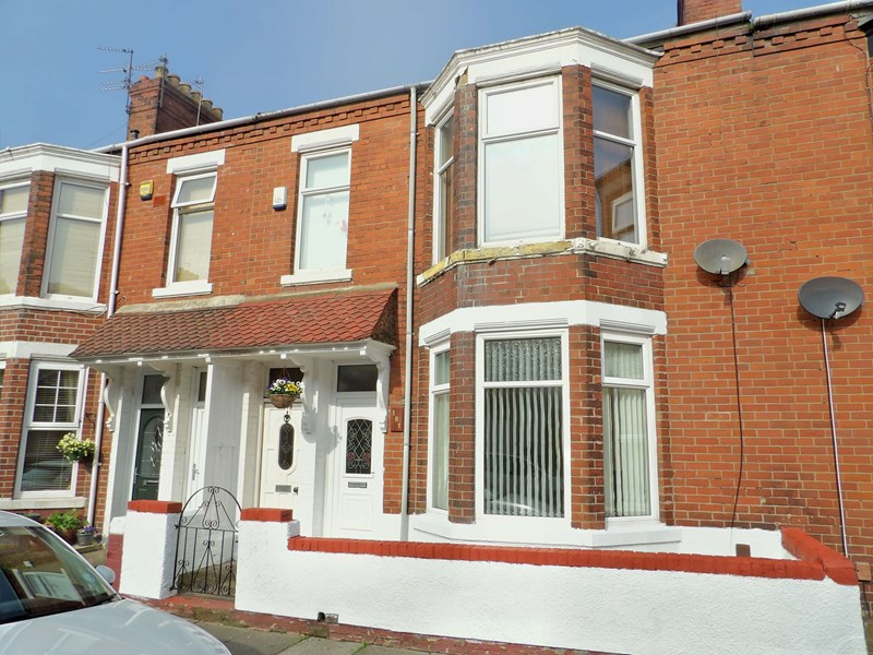 2 Bedrooms Property for sale in St. Vincent Street, Westoe, South Shields, Tyne and Wear, NE33 3BJ