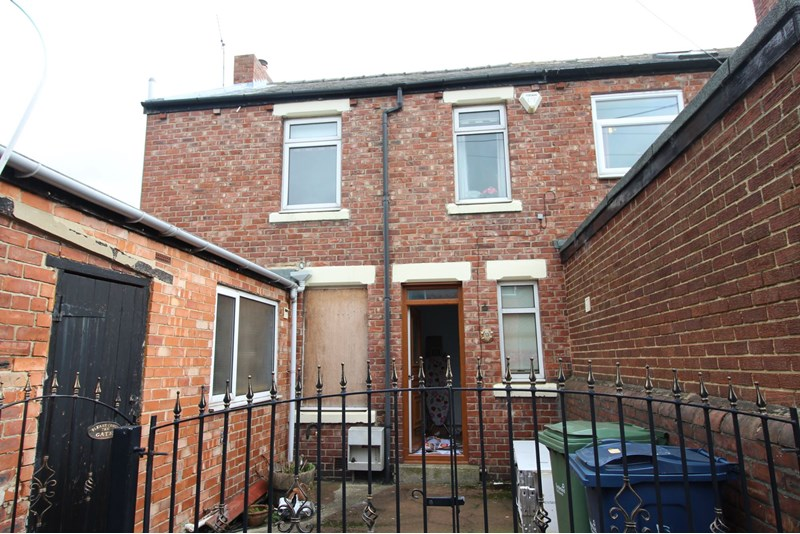3 Bedrooms Property for sale in Russell Street, Concord, Washington, Tyne and Wear, NE37 2TG