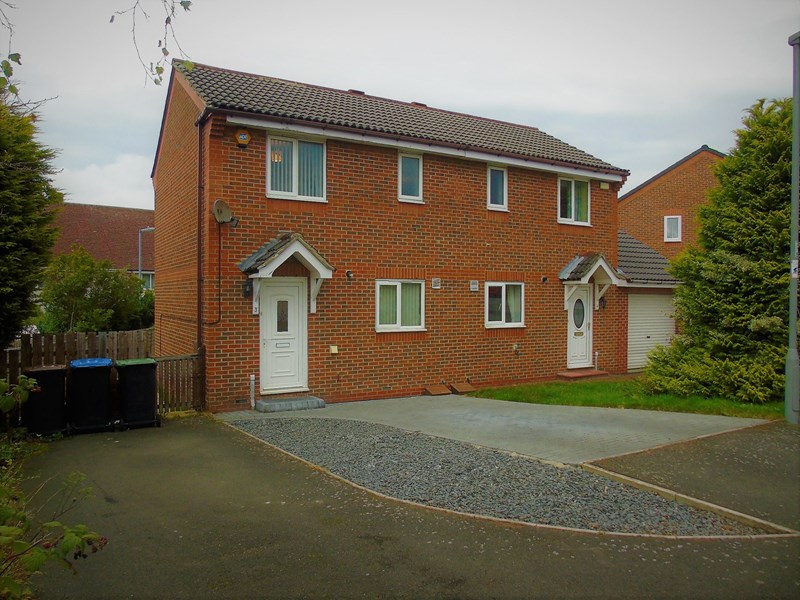 2 Bedrooms Property for sale in Iris Crescent, Ouston, Chester Le Street, Durham, DH2 1RJ