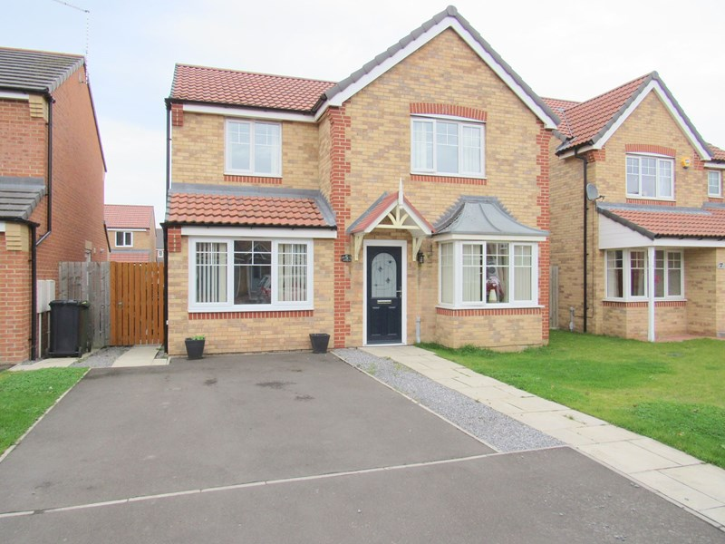 4 Bedrooms Property for sale in Alnmouth Avenue, Ashington, Ashington, Northumberland, NE63 8SG