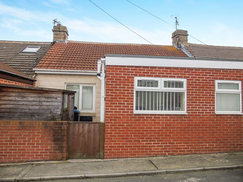 2 Bedrooms Bungalow for sale in Byron Avenue, Blackhall Colliery, Hartlepool, Durham, TS27 4NG