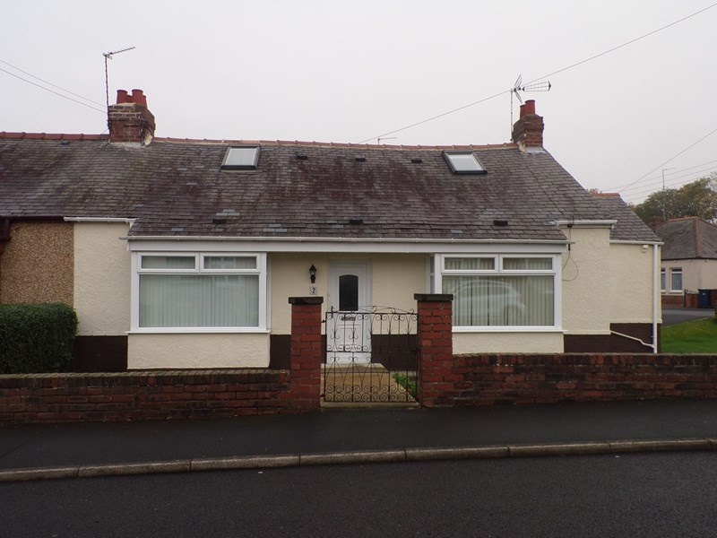 4 Bedrooms Bungalow for sale in Holly Avenue, Fawdon, Newcastle upon Tyne, Tyne and Wear, NE3 2RQ