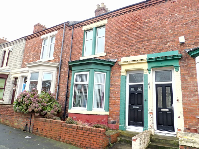 2 Bedrooms Property for sale in Madeira Terrace, Westoe, South Shields, Tyne and Wear, NE33 3AQ