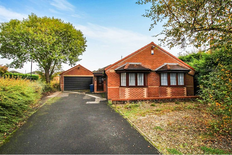 4 Bedrooms Bungalow for sale in Swainby Close, Gosforth, Newcastle upon Tyne, Tyne and Wear, NE3 5JE