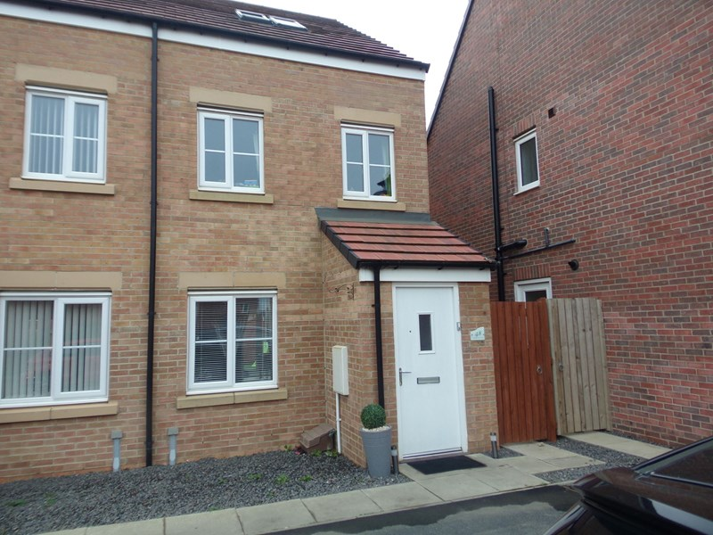 3 Bedrooms Property for sale in Haggerston Road, Blyth, Northumberland, NE24 4GT