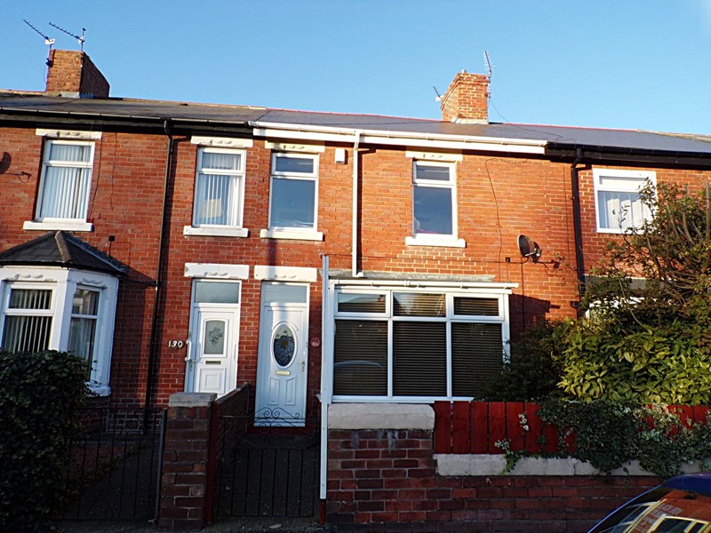 3 Bedrooms Property for sale in Newbiggin Road, Ashington, Northumberland, NE63 0TL