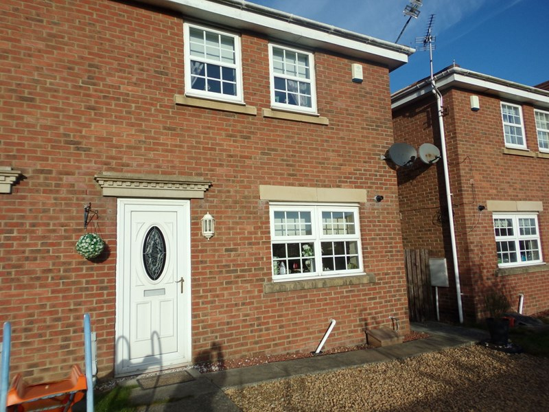 3 Bedrooms Property for sale in Chase Meadows, Blyth, Northumberland, NE24 4LB