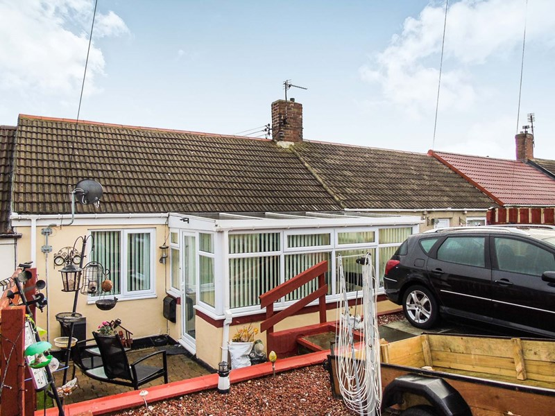 3 Bedrooms Bungalow for sale in Gayfield Terrace, Grants Houses, Grants Houses, Durham, SR8 3TA
