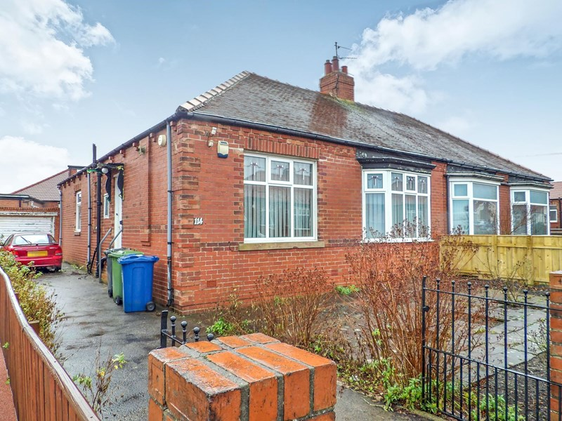 2 Bedrooms Bungalow for sale in Grosvenor Road, South Shields, South Shields, Tyne and Wear, NE33 3HW