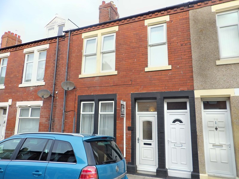 2 Bedrooms Property for sale in Collingwood Street, South Shields, Tyne and Wear, NE33 4JY