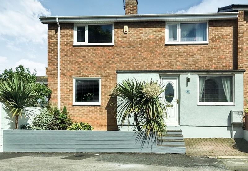 2 Bedrooms Property for sale in Eden Road, Newton Aycliffe, Durham, DL5 5QY