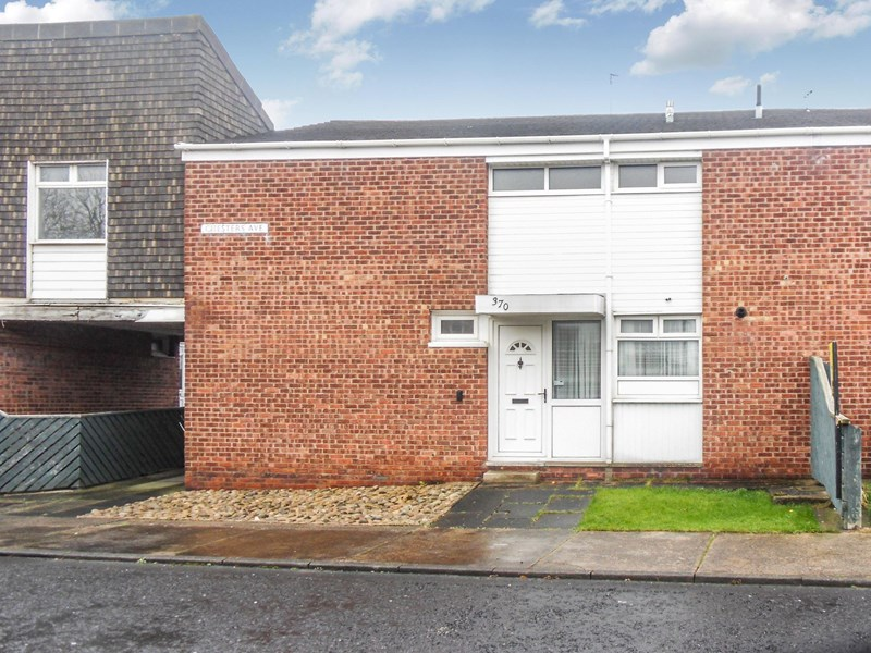 3 Bedrooms Property for sale in Chesters Avenue, Longbenton, Newcastle upon Tyne, Tyne and Wear, NE12 8QN