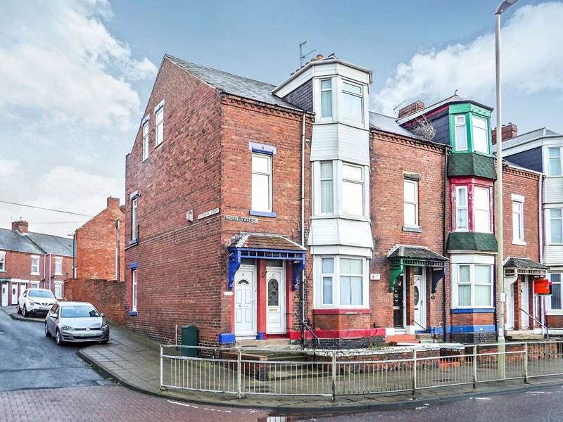 5 Bedrooms Maisonette Flat for sale in Thornton Avenue, Tyne Dock, South Shields, Tyne and Wear, NE33 5SZ