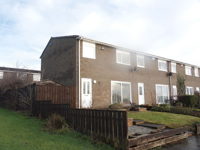 3 Bedrooms Property for sale in Broomlee Road, Killingworth, Newcastle upon Tyne, Tyne and Wear, NE12 6YL
