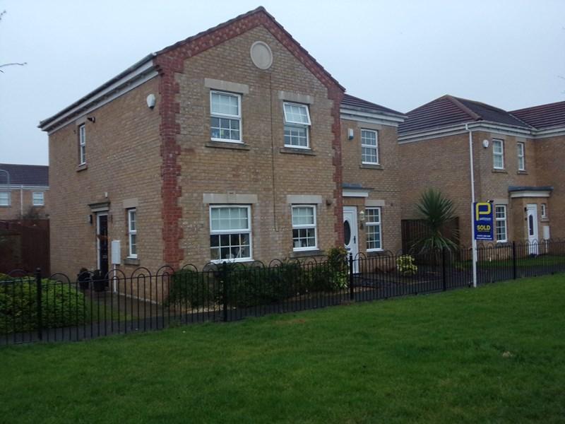 3 Bedrooms Property for sale in Grosvenor Place, Blyth, Blyth, Northumberland, NE24 4NA