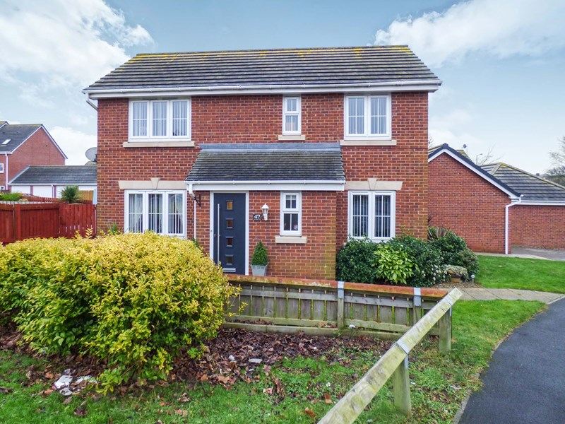 3 Bedrooms Property for sale in Shaftsbury Park, Hetton-le-Hole, Houghton Le Spring, Tyne and Wear, DH5 0RN