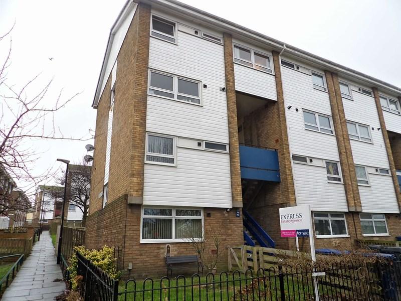 4 Bedrooms Maisonette Flat for sale in Anderson Street, The Woodbine , South Shields, Tyne and Wear, NE33 2RJ