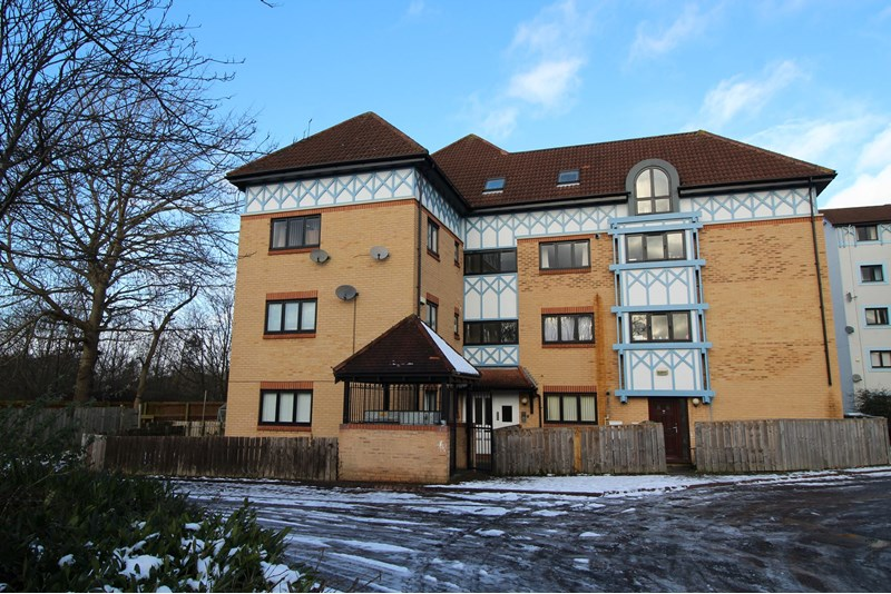 2 Bedrooms Maisonette Flat for sale in Horsley Court, Newcastle upon Tyne, Tyne and Wear, NE3 2JX