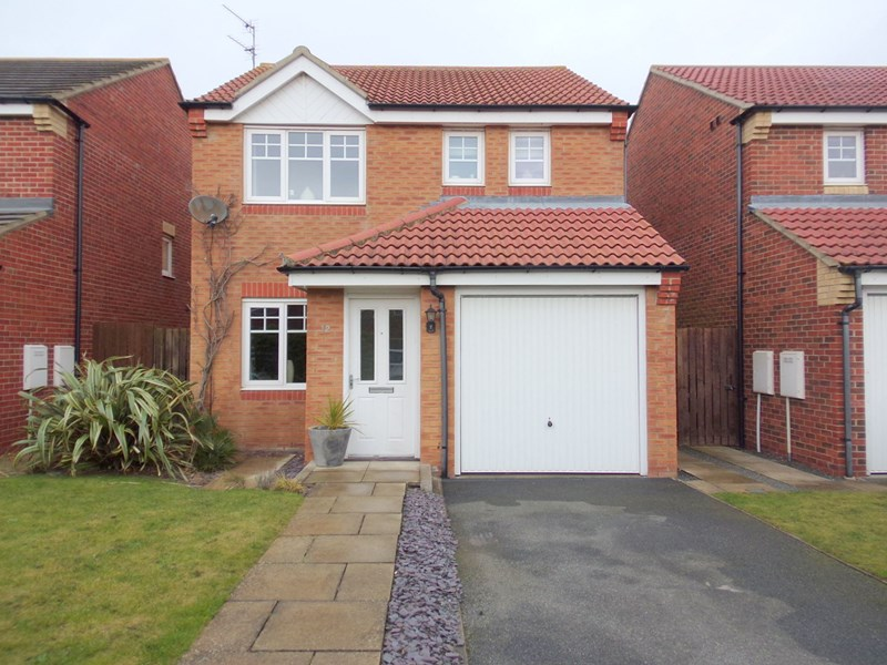 3 Bedrooms Property for sale in Montgomerie Court, Ashington, Northumberland, NE63 9JU