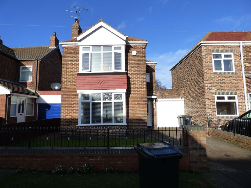 2 Bedrooms Property for sale in Thorntree Drive, Whitley Bay, Tyne and Wear, NE25 9NN
