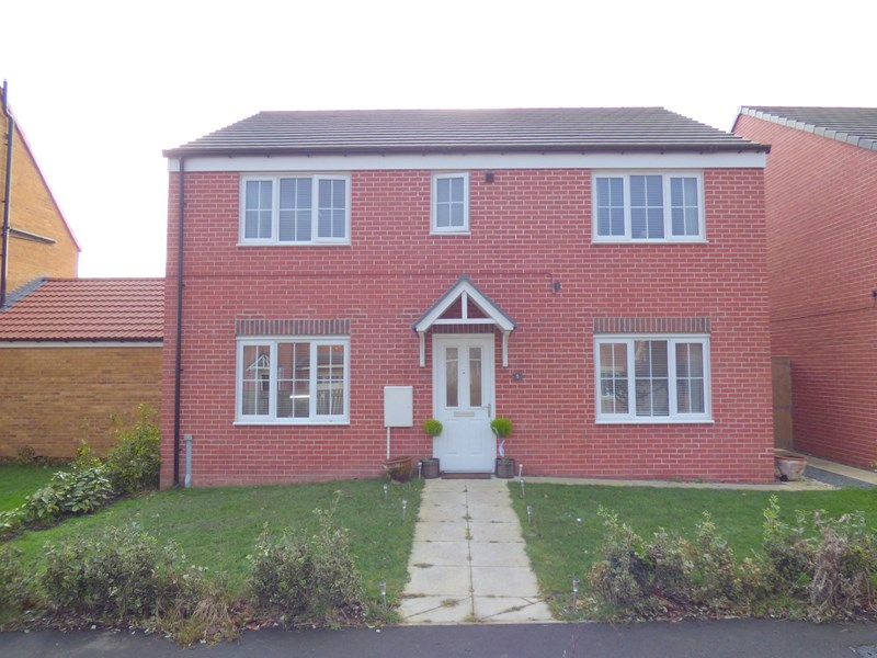 5 Bedrooms Property for sale in Galava Walk, Ingleby Barwick, Stockton-on-Tees, Cleveland, TS17 5JD