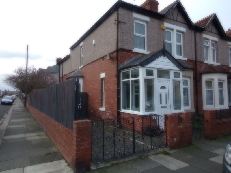 4 Bedrooms Property for sale in Plessey Avenue, Blyth, Blyth, Northumberland, NE24 3JR