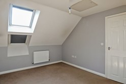 Image of Additional Main Bedroom Image