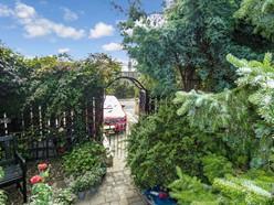 Image of Garden & Parking