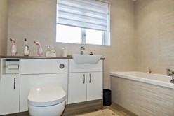 Image of Principal Bathroom